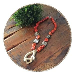 Jewelry - Beautiful Boutique Necklace
